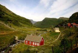 Myrdal and Voss by train