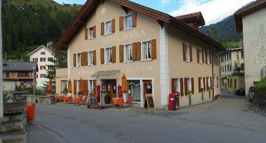 Vakantie Bergün - Trein en Hotel - Albula
