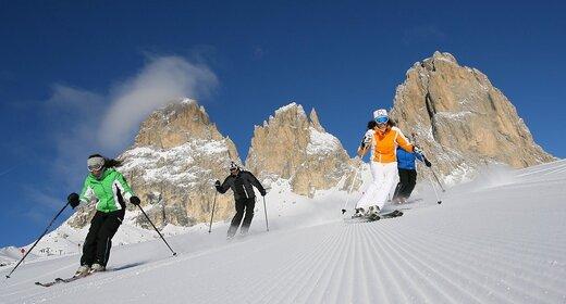 Wintersportvakantie Campitello Val di Fassa - Trein en Hotel - Gran Chalet Soreghes****