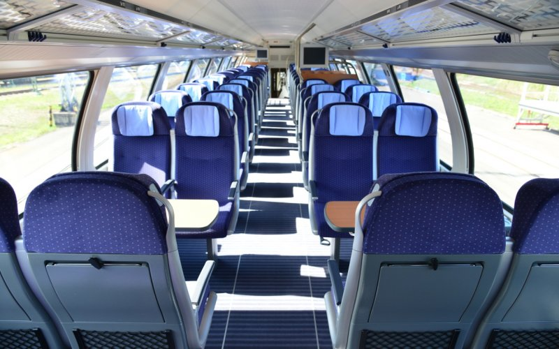 Trains Munich to Hamburg - Deutsche Bahn - Intercity interior second class
