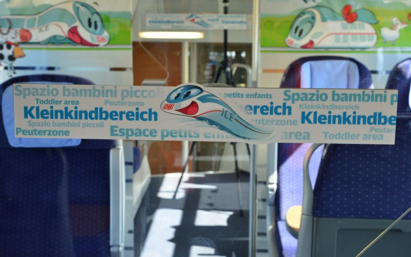 Trains Frankfurt (Main) Hbf to Heidelberg Hbf (Central station) - Deutsche Bahn - Intercity interior kids / family