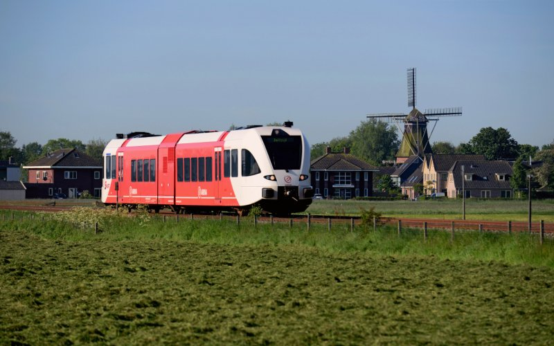 Trains Amsterdam Centraal (Main station)  to Schiphol (Airport) - Abellio exterior