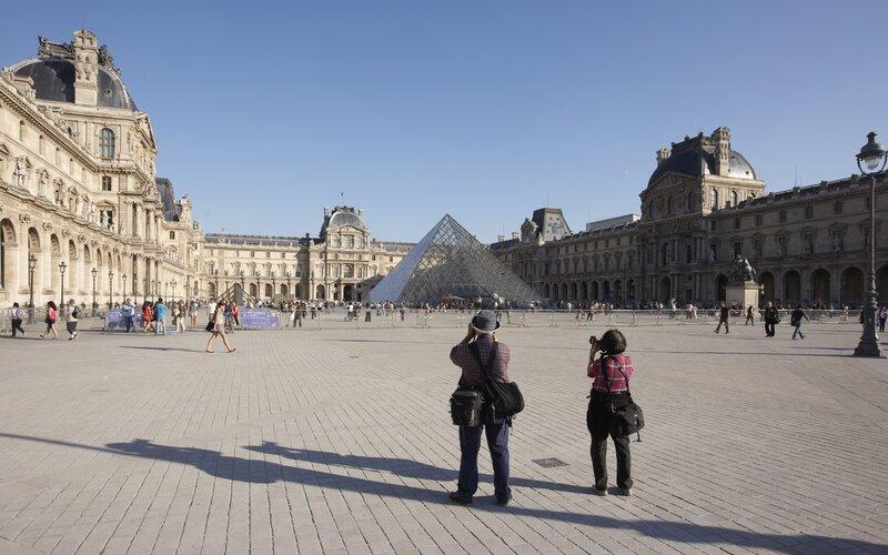 Trein naar Parijs - Louvre