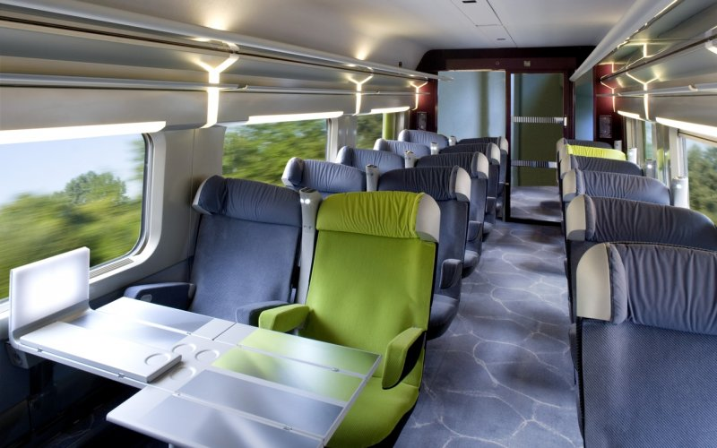Trains Paris to Barcelona Sants (Main Station) - Renfe-SNCF - TGV interior first class
