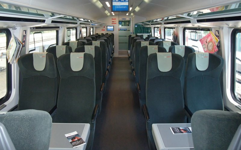 Trains [from] to [to] - OBB / Austria - Railjet 2nd class interior