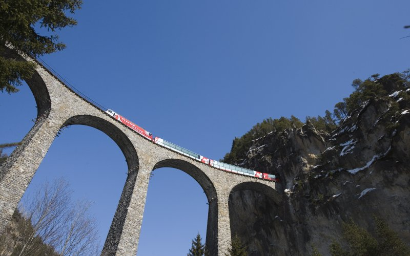 SBB / CFF / FFS - Trains in Switzerland - Viaduct