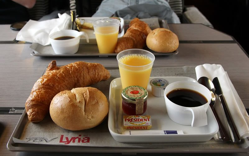 Trains Paris to Barcelona Sants (Main Station) - Renfe-SNCF - TGV interior first class food on-board