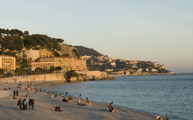 Trains to Nice - City view