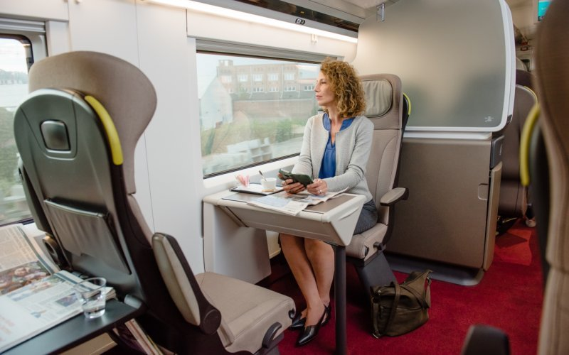 Trains London to Amsterdam C - Eurostar interior first class / premier class