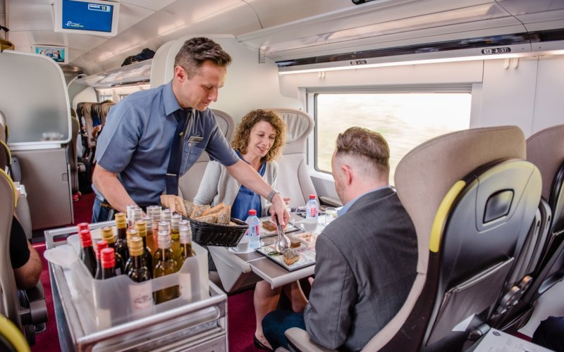 Trains Amsterdam C to London - Eurostar on-board service / food / dinner