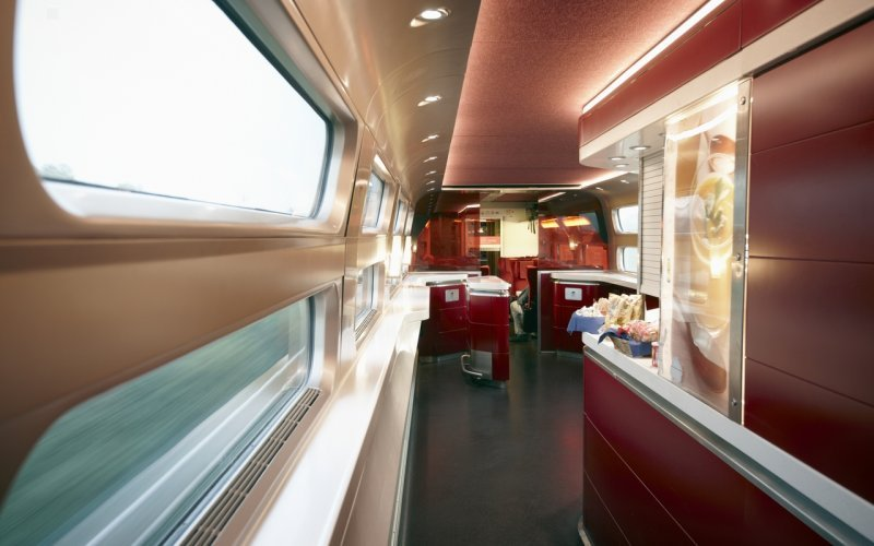 Trains Schiphol (Airport) to Saumur - Thalys restaurant / bar / dining