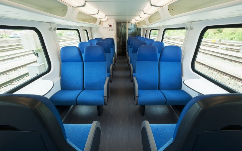 Trains Schiphol (Airport) to Saumur - Second class interior