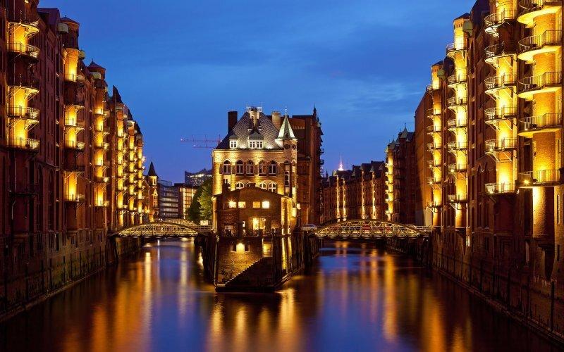 Trains to Hamburg - City view