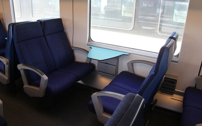 Trains Brussel Midi/Zuid (Main station) to Zaventem - NMBS / SNCB second class interior