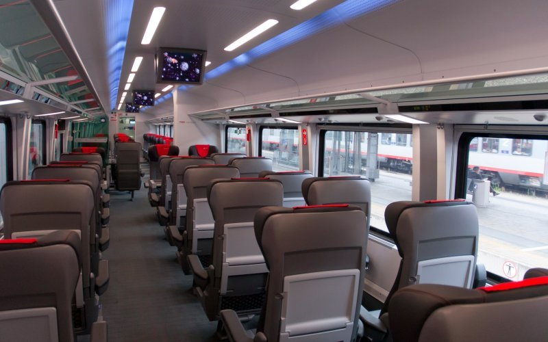 Trains [from] to [to] - OBB / Austria - Railjet interior first class