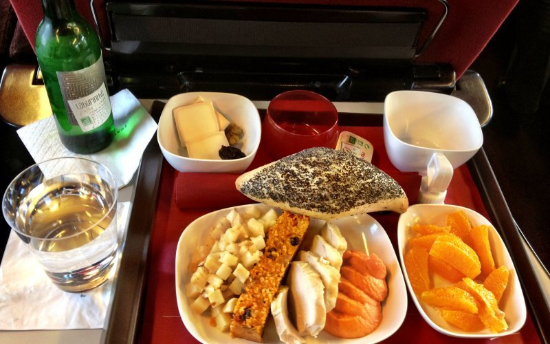 Trains Düsseldorf Hbf to Dax - Thalys first class food on-board, breakfast