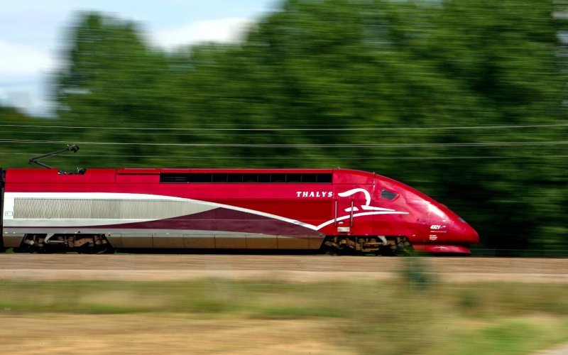Trains Paris to Brussel-Midi/Zuid - Thalys exterior