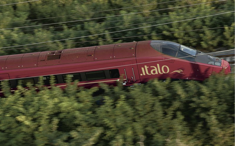 Trains Roma to Milano - Italo - Exterior