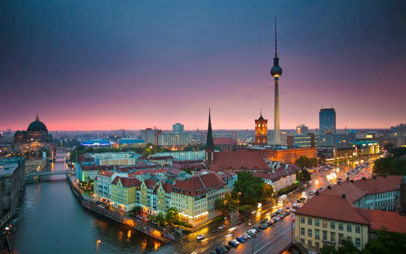 Cheap Trains from Berlin to Munich - Berlin Centre
