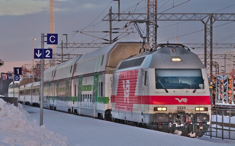 InterCity Finland | Trains in Finland | Train plowing through the snow, Christmas time in Kemi