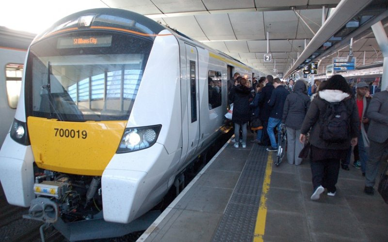 Trains Portsmouth to London - Southern / Thames Link - Cheap Train Tickets UK