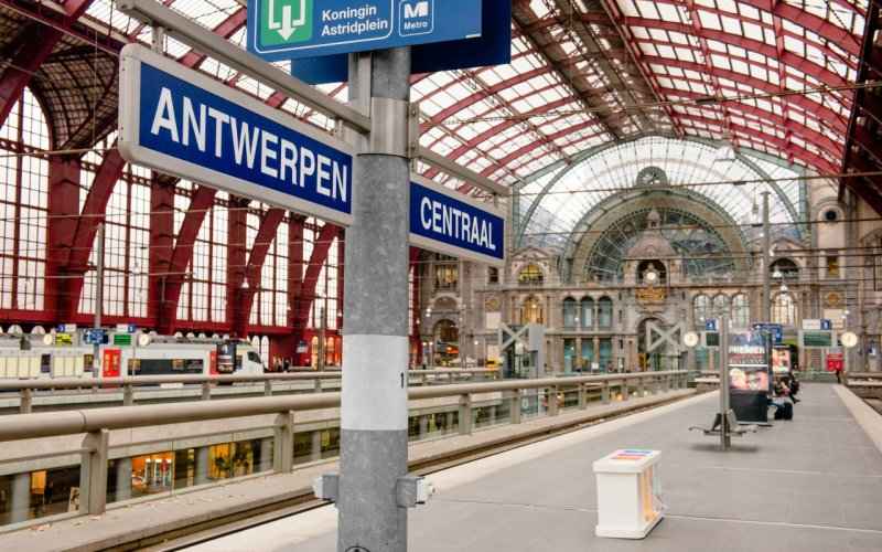 NMBS / b-Europe -Antwerpen Centraal