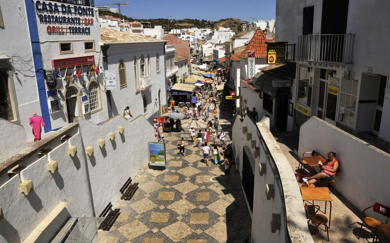Travel around Albufeira by train - All train tickets and rail passes