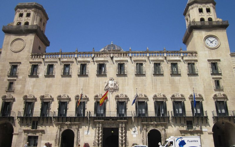 Trains to & from Alicante | City centre