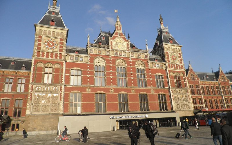 Trains to & from Amsterdam - Amsterdam Centraal Station