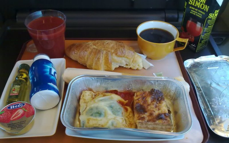 AVE | Trains in Spain | Catering on board 1st class Preferente