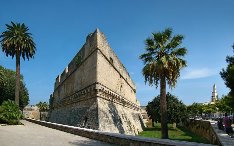Trains to & from Bari | Bari architecture