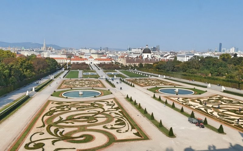 Trains Vienna to Prague | Belvedere Vienna
