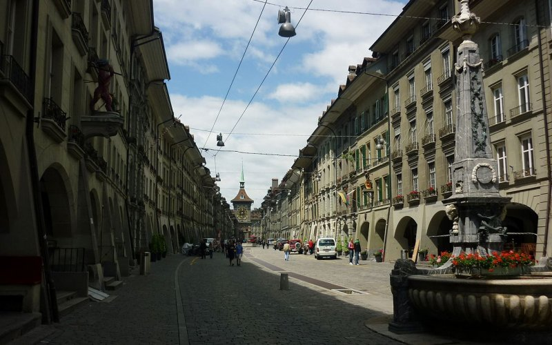Trains to & from Bern - Main street