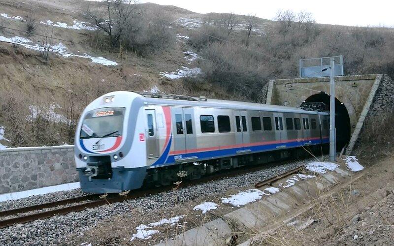 Bolgesel | Trains in Turkey | Train on its way