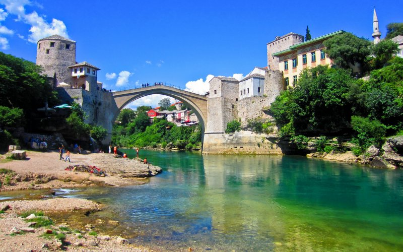 Discover Bosnia Herzegovina by train | Bridge in Mostar