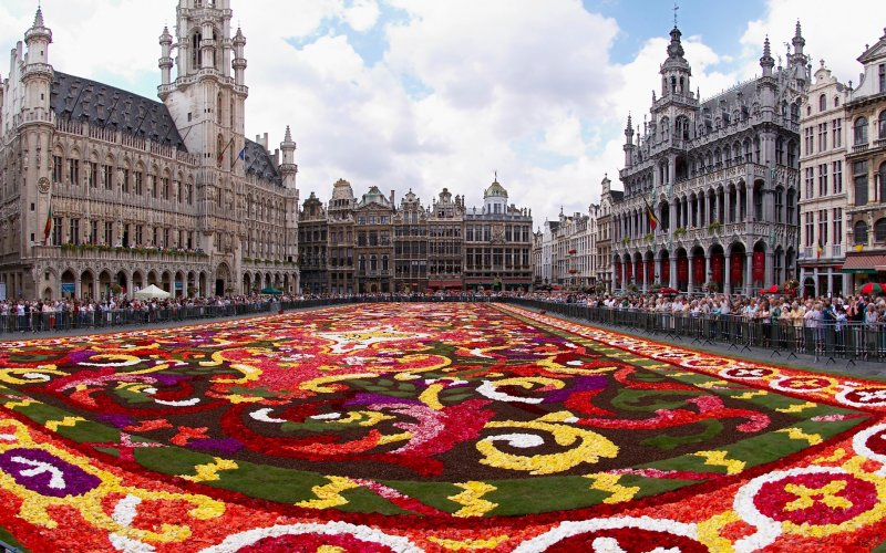 Trains to & from Brussels - City square known as Grote Markt