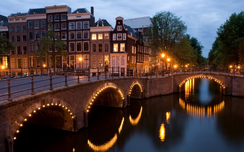 Get to see the canals in Amsterdam - All train tickets and rail passes