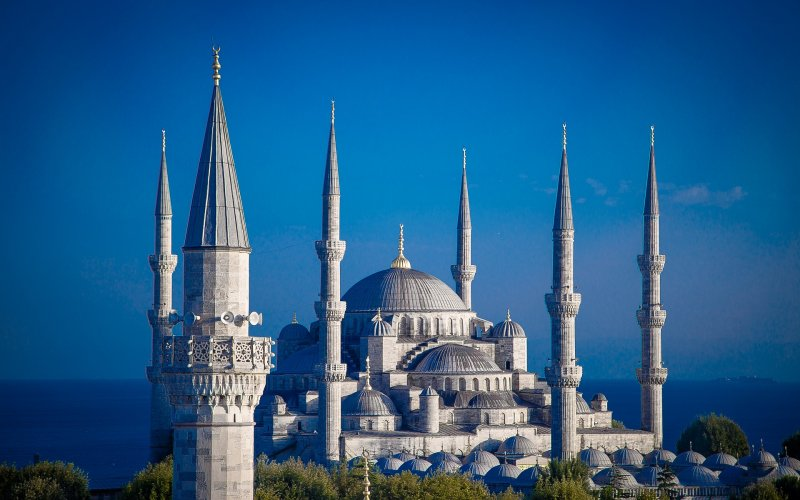 Trains to & from Istanbul | Local architecture in Istanbul
