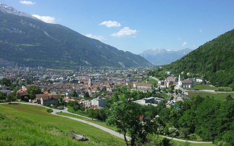 Trains to Chur | city