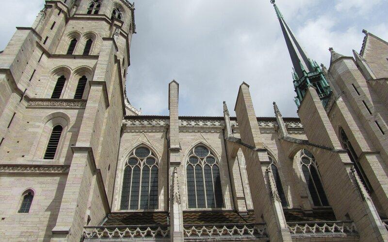 Trains to & from Dijon   Church in Dijon
