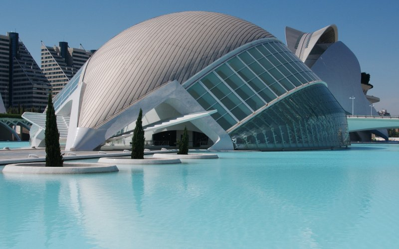 Trains to & from Valencia | City of arts and science