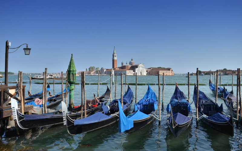 Trains to Venice | Trains from Venice - Gondolas