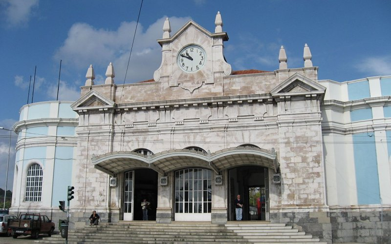 Travel around Coimbra by train - All train tickets and rail passes