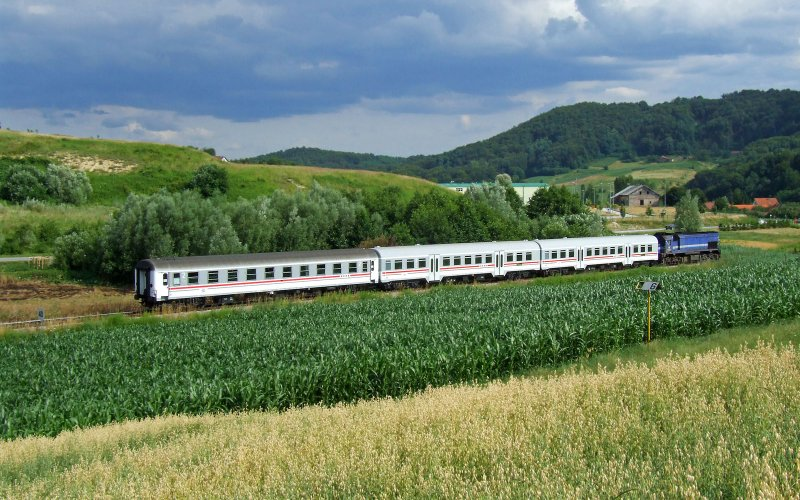 InterCity Croatia | Trains in Croatia | Train running between Zagreb and Split