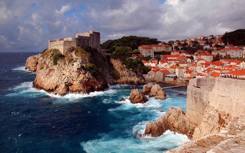 Visit Dubrovnik by train - All train tickets and rail passes