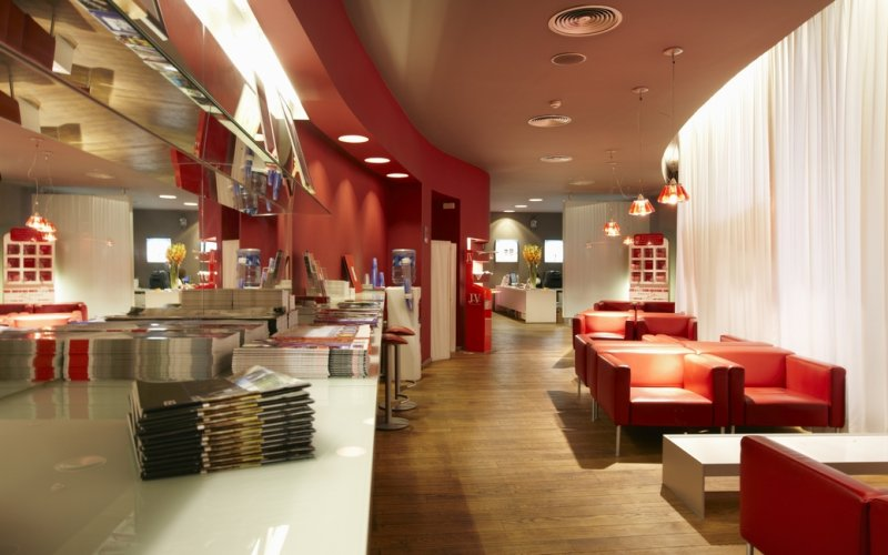 Trains Brussels to Schiphol Airport - Thalys Lounge