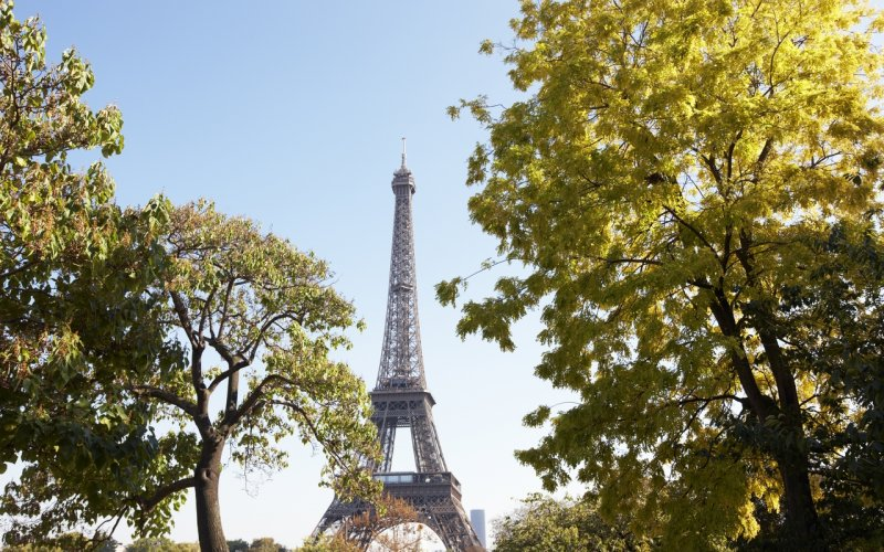 Trains to & from Paris | Eiffel Tower