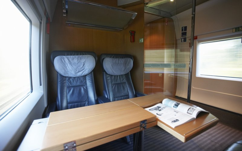 Trains Hamburg to Copenhagen - ICE 1st class compartment