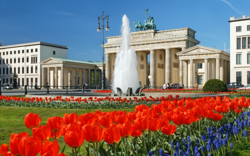 Trains to & from Berlin | Brandenburger Tor