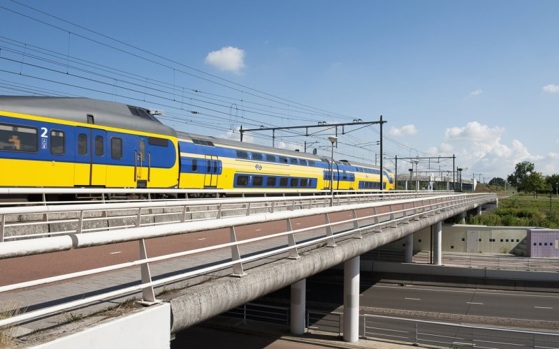 Trains Amsterdam to Schiphol Airport - Intercity